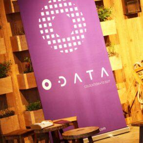 Banner com o nome da ODATA em evento
